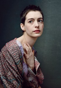Anne-hathaway-les-miserables-207x300